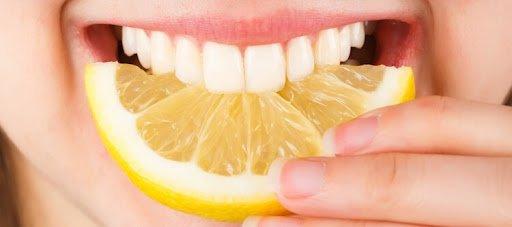 отбеливание зубов соком лимона фото